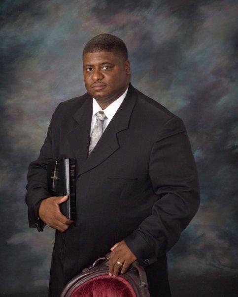 pastor-richardson-2